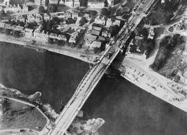 on-this-day-in-1944-british-paratroopers-holding-arnhem-bridge-are-overrun